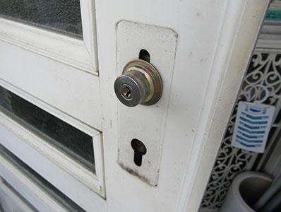 玄関ドアのハンドルの調整を行いました
