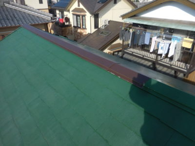 M様邸 屋根棟板金塗装工事を行いました!