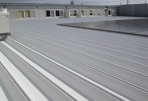 島田市金谷東 ガイナ折板屋根塗装工事 ファッションむらい様
