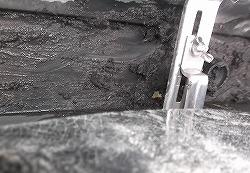 外壁塗装のアフターメンテナンス、樋の詰まりの除去作業in焼津市