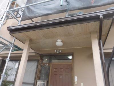 軒天張替をし、軒天破風塗装をします!