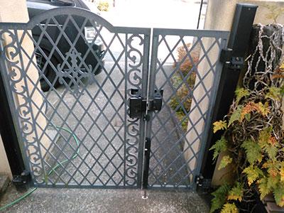 動きが悪い門扉